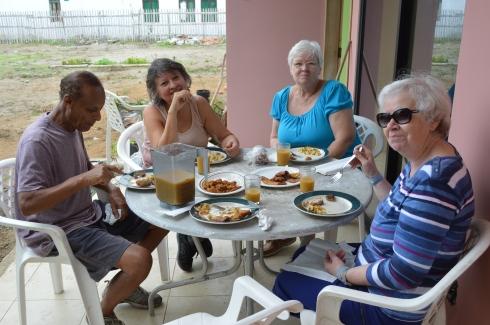 life n puerto cayo ecuador