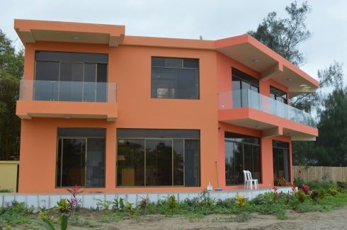 This home was recently constructed on the beach in Puerto Cayo by our Ethiopian friend, Mesfin Haile. It's spectacular.
