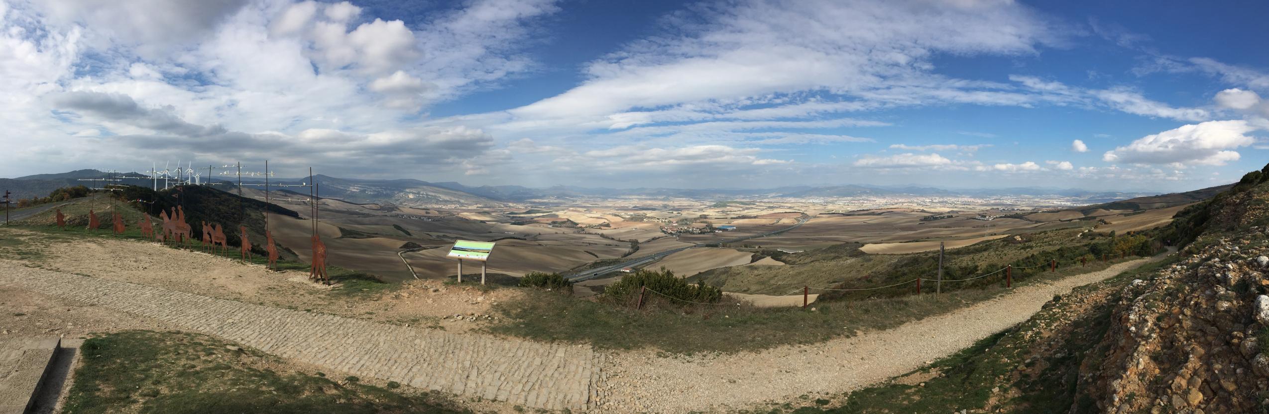 The vista of Alto de Perdón.